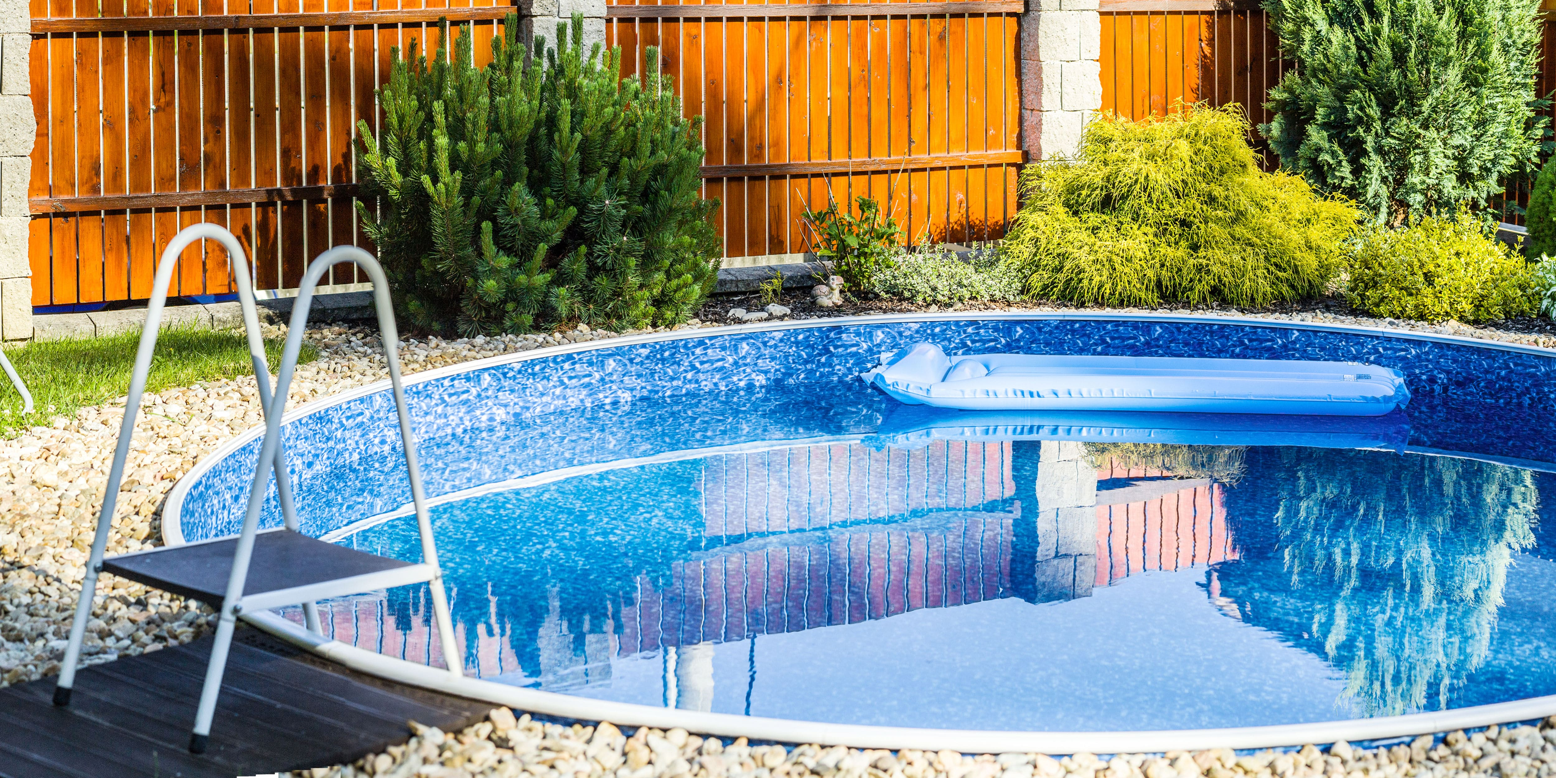 inbouw zwembad kleine tuin