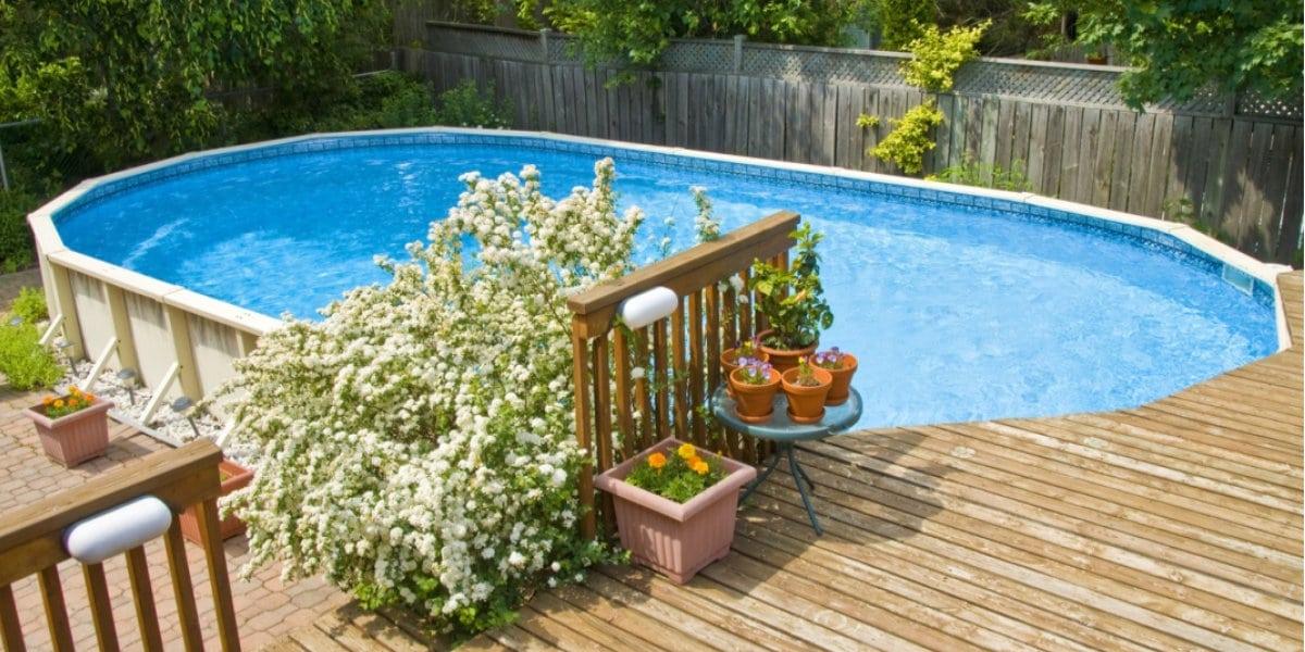 opzetzwembad aan terras