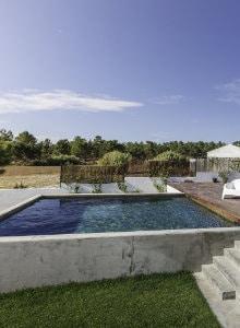 zwembad in beton met afwerking in mortex